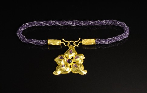 """data-caption-desc="""" DETAIL: NECKLACE CAN BE WORN WITHOUT THE FLOWER FOR ANOTHER LOOK"""""""